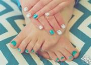 glitter toes genevieve