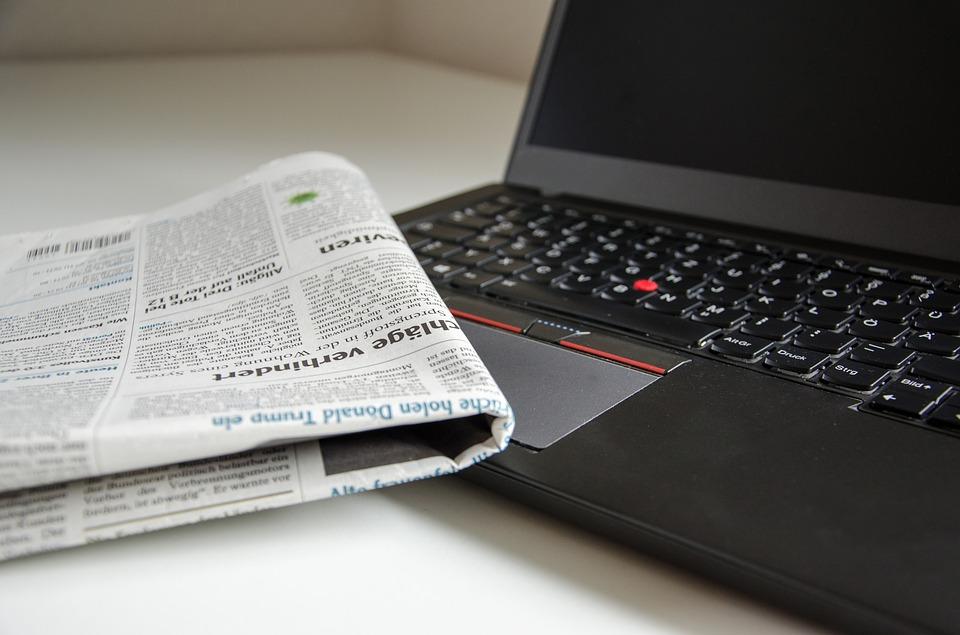 laptop-newspaper-press-media