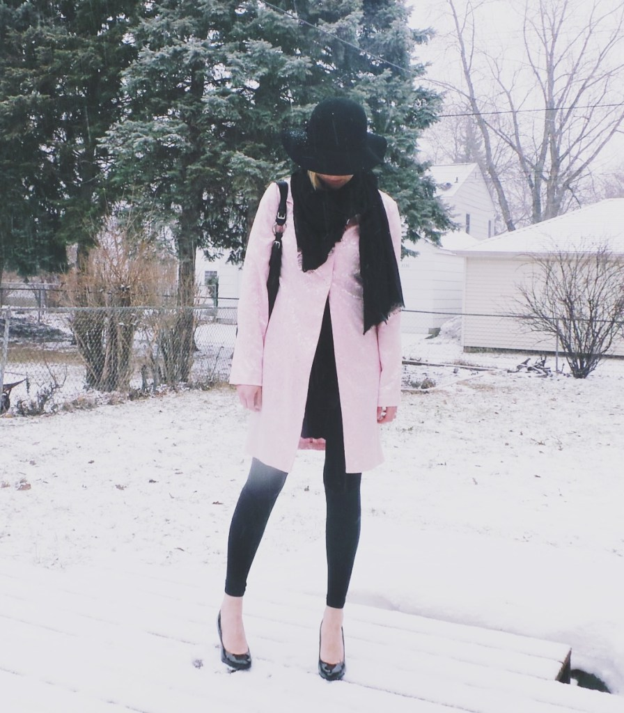 black-pink-outfit