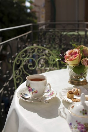 tea_time_on_the_balcony