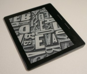 Kindle: different uses and Oasis vs. Paper White