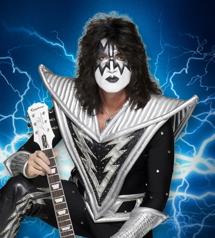 Tommy Thayer of KISS guitar Chicago