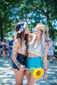 hippygirlsembracing