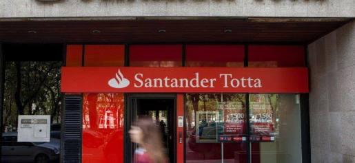 http://www.publico.pt/economia/noticia/margem-financeira-e-queda-de-provisoes-elevam-lucro-do-santander-totta-para-41-milhoes-1635721