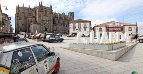 Raid Clássico Ibérico: 120 carros clássicos passaram hoje pela Guarda