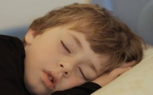 هل حقاً على الأولاد النوم في وقتٍ مبكر؟