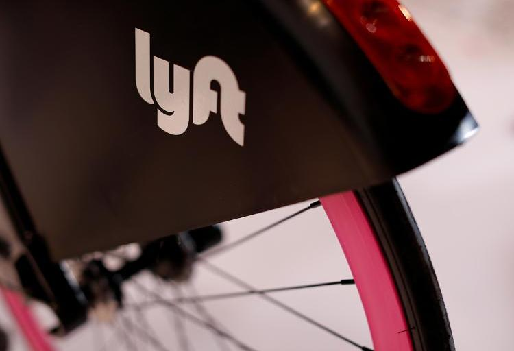 Some Lyft shareholders take it to court over price swoon