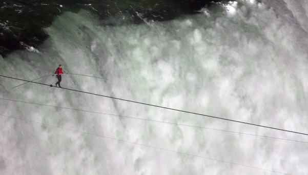 Nik Wallenda Crosses 1,800-Foot Niagara Falls Between U.S. & Canada