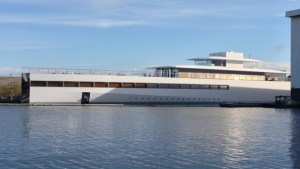 Steve Jobs yacht designed by Philippe Starck going home