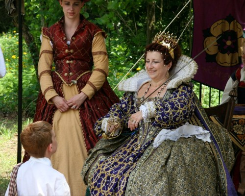 heartland-renaissance-faire-queen-knighting-a-boy.jpg