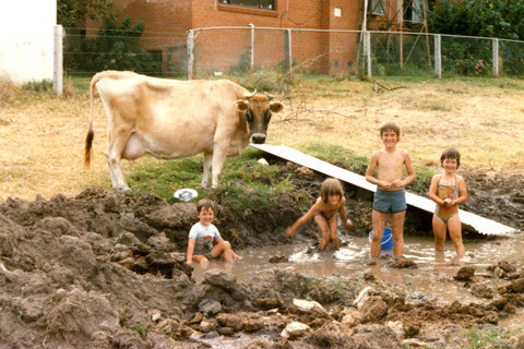 kids-in-mud_w480.jpg