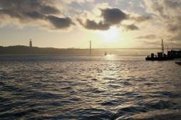 Ponte 25 de Abril Photo copyright Rebecca Lau