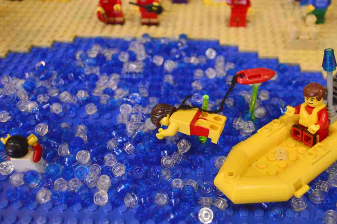 be kitschig blog Lego Love Baywatch