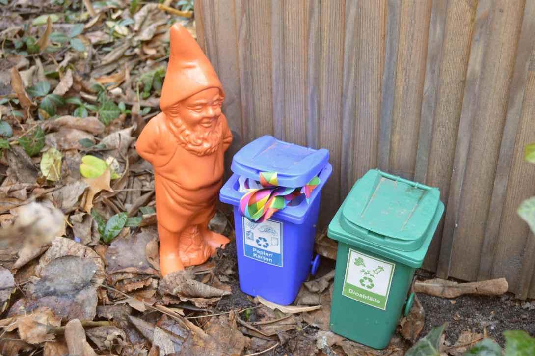 recycling gnome gartenzwerg gnome zwerg