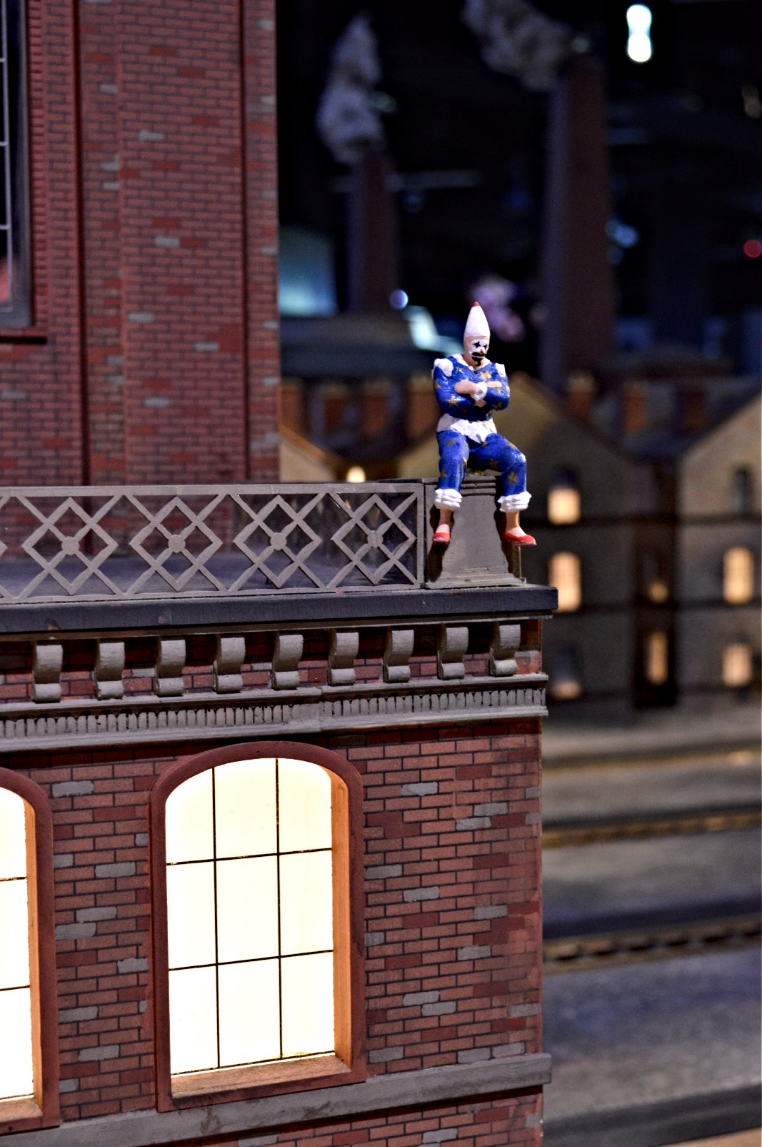 The Clown Little Big City miniature  Tom Belling mime Mine be kitschig blog Berlin