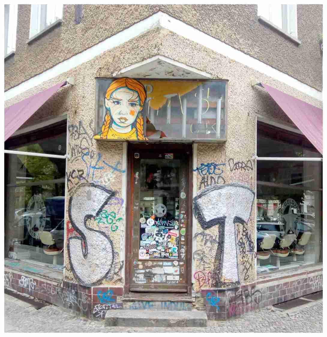 be kitschig blog doors of prenzlauer berg