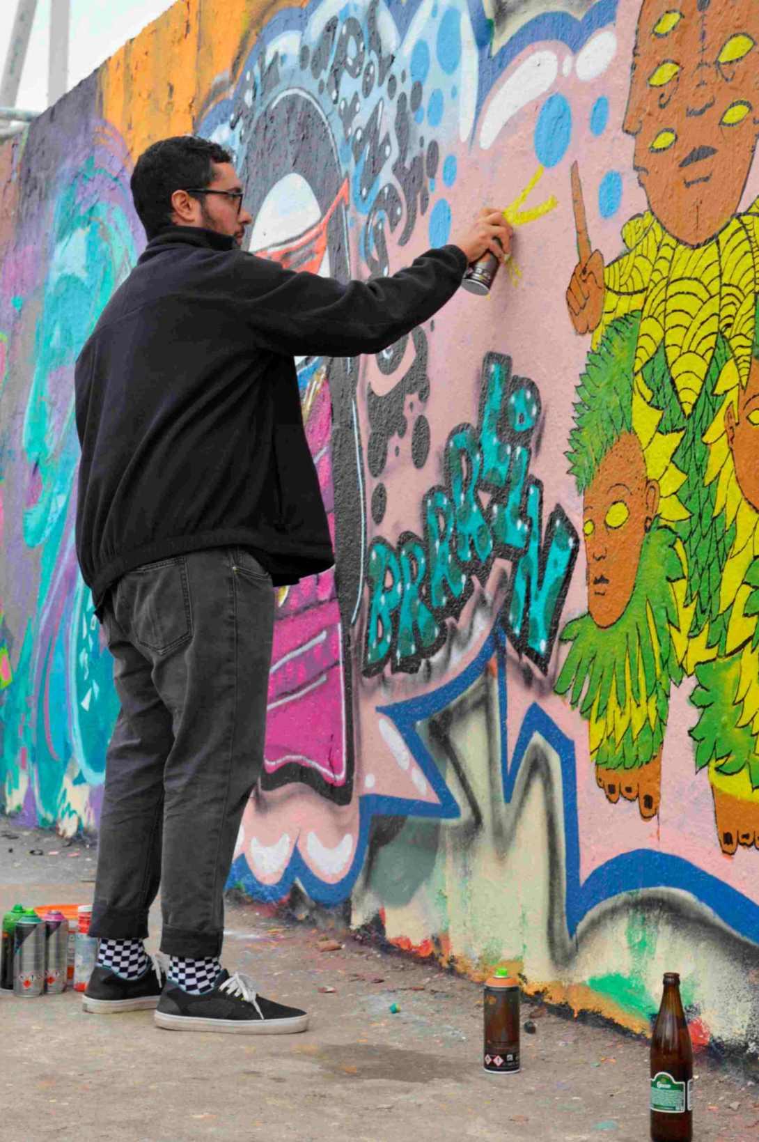 Mauerpark Berlin die Wand zum sprayen ueben