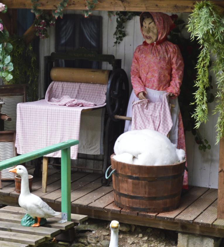 Fairy Tale Forrest Märchenwald Saalburg Dolls Puppen Witch Hexe be kitschig blog