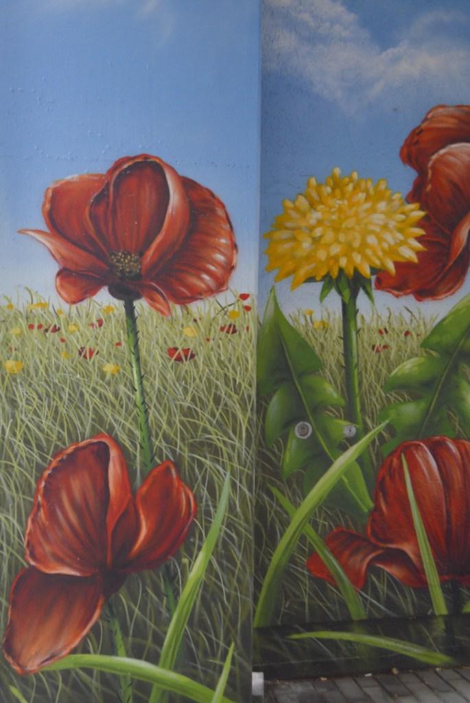 Flower mural Laurus Art Berlin Moabit #streetart #flowers