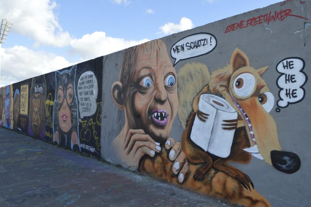 #streetart eme freethinker toilet paper graffiti Mauerpark be kitschig blog Berlin