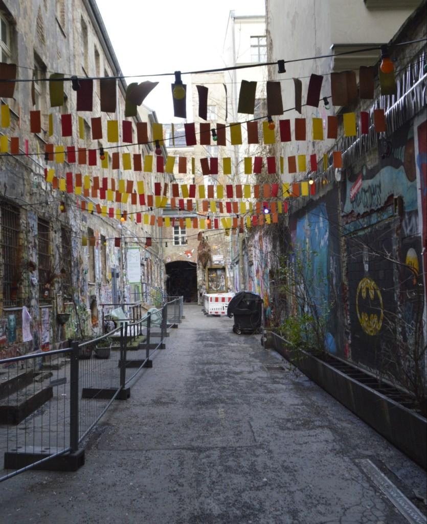 Haus Schwarzenberg street art alley bekitschig blog Berlin