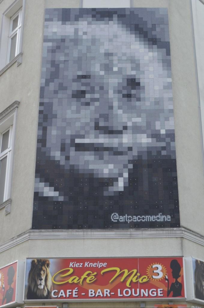 street art postcards from Berlin #21 bekitschig.blog - Paco Medina Einstein