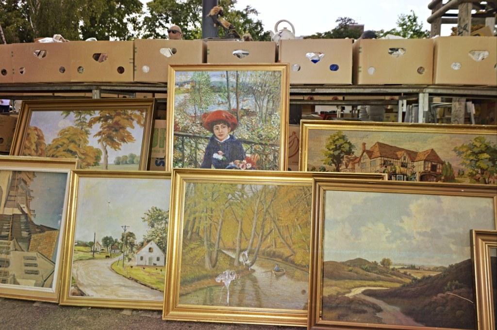 old paintings at Mauerpark Berlin - bekitschig blog