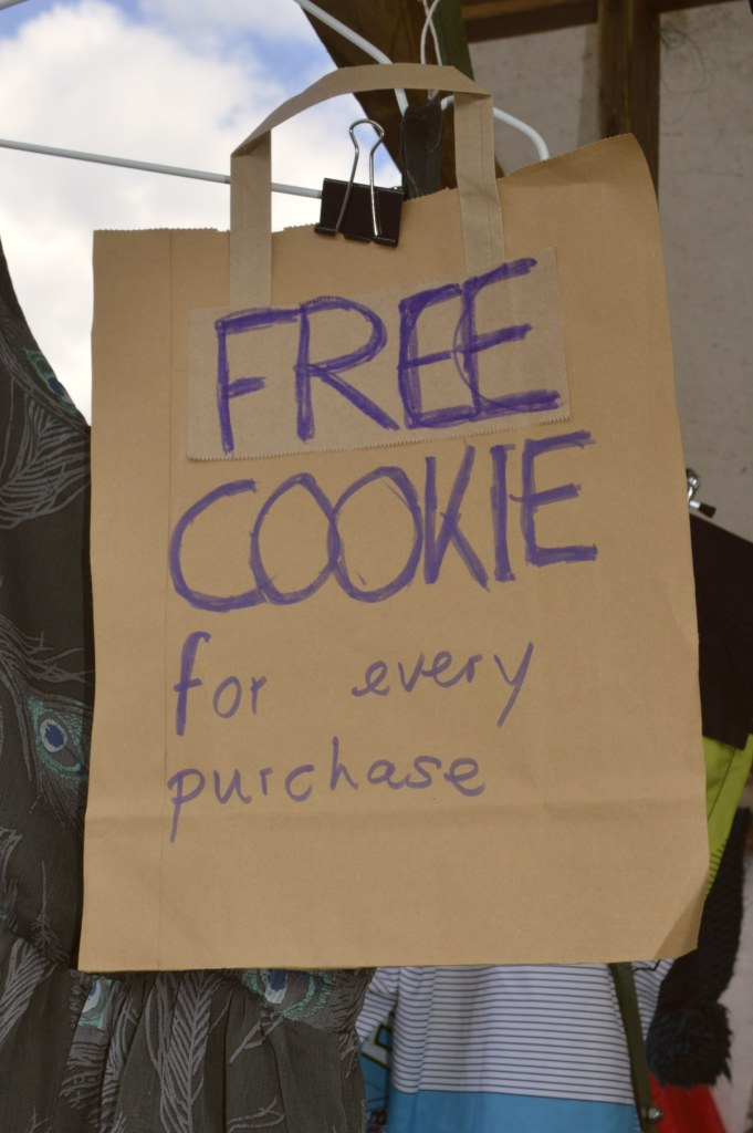 Free Cookie for every purchase   bekitschig.blog