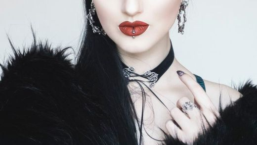 Obsidian Kerttu, the Goth Model who Collects Napkins - THE OUTSIDERZ