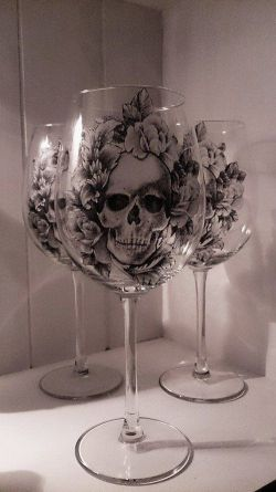 Need these. ♡ wine and skulls