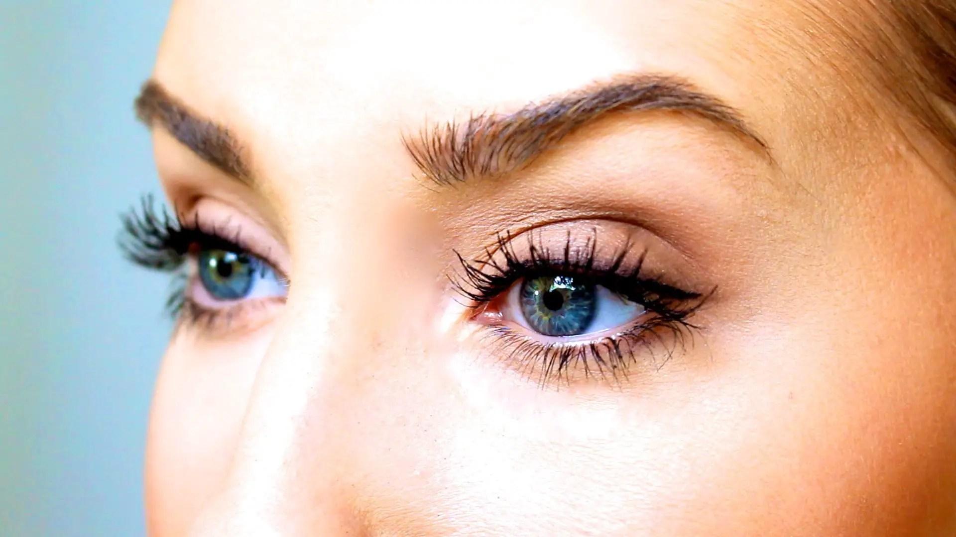 Vaseline on Eyelashes