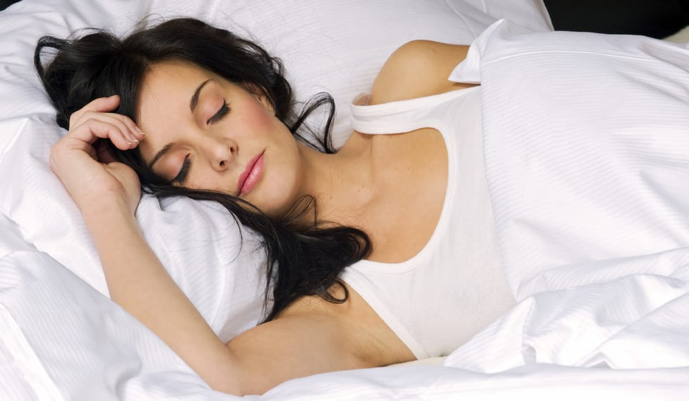 how to sleep with eyelash extensions