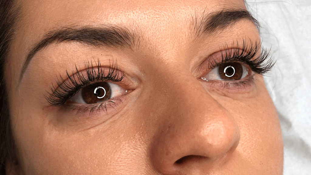 Hybrid Eyelash Extensions: How They're Different