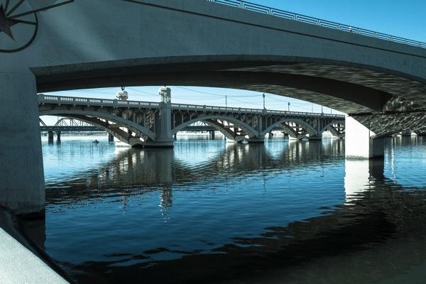 Jembatan garis