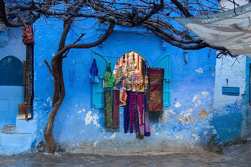 Store-window-Chefchaouen-Morocco