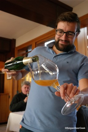 Thomas Debelder from the 3 Fonteinen restaurant serving us a Zenne Y Frontera