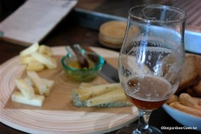 Beer & cheese at BeeBeer in Madrid