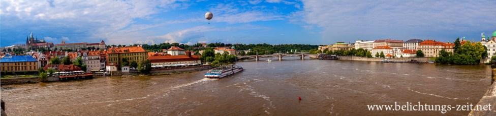 Moldau mit Prager Burg