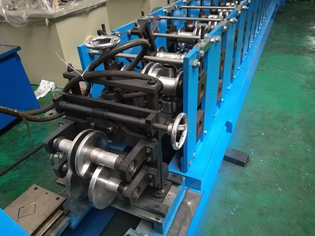 c purlin roll forming machine straightening