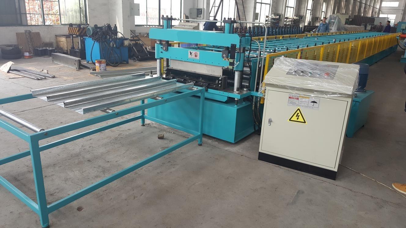 metal floor deck machine