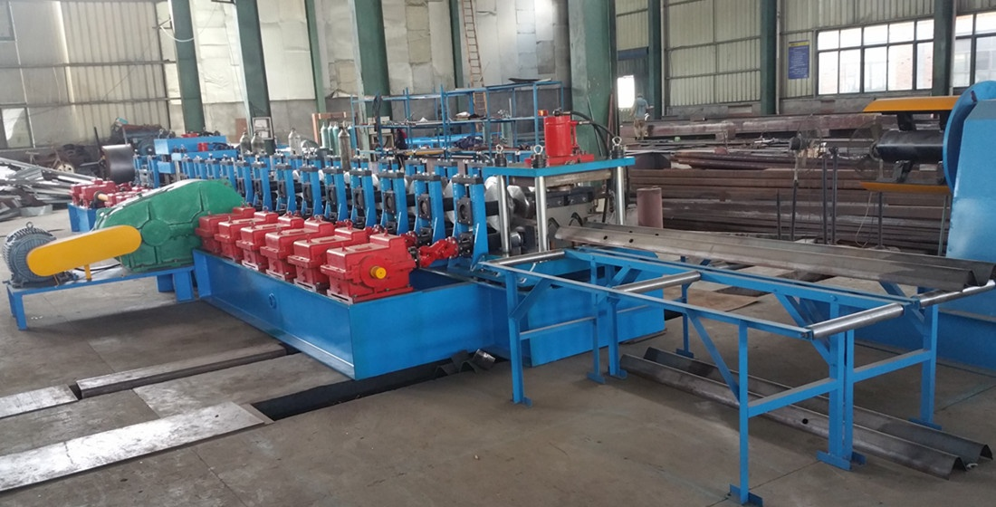 crash barrier cold roll forming machine