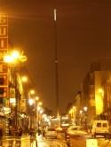 Spire of Dublin (Talbot Street) 바늘 같은 뾰족탑이 밤엔 끄트머리만 빛나서 야간 쇼핑가 길잡이로 낮엔 만남의 장소로써 몇 년 전 지어진 이후로 각광받고 있다고 한다.