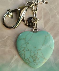 Tirkiz kristal u obliku srca