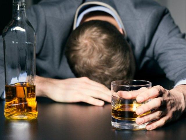 bebida alcoólica mata