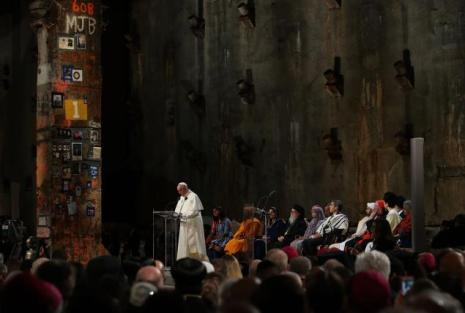 580549255js007-pope-francis