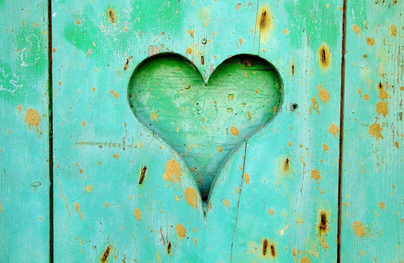 lécbe vésett szív