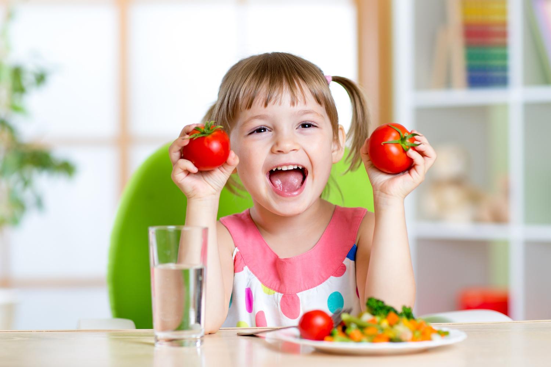 10 Съвета, как да накараме детето да яде