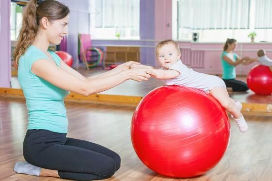 Прохождане на бебето - упражнения за баланс-bellamiestore