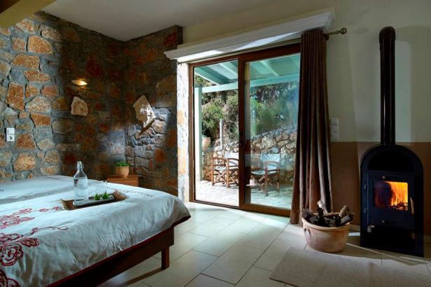 prana and ponies yoga & horse retreat crete