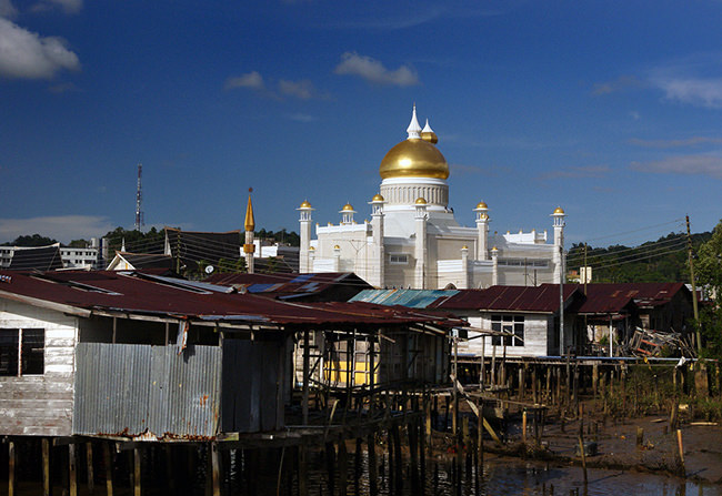 The means are there. Down the street from the Guiness book of World record largest palace in the world is this mosque surrounded by shacks. In Brunei. See Bernard Spragg.